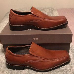 New Men's dress loafer